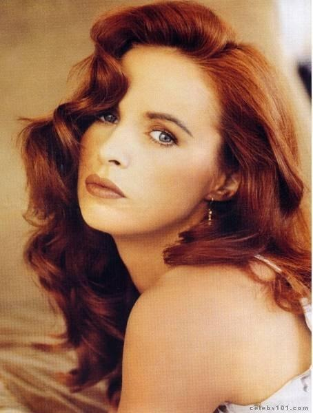 easton singles Sheena easton is a scottish recording artist with a discography which consists of 16 studio albums,1 live (bootleg) album, and 45 singles easton released her debut album take my time in 1980, after its single 9 to 5 (morning train) reached number one on the billboard hot 100.